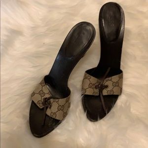 Gucci classic heel
